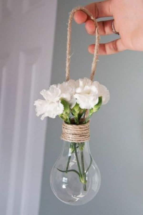 manualidades facil de hacer en casa con bombillas