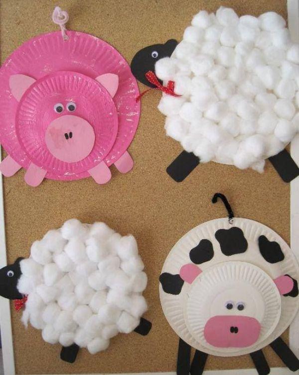 animales con platos desechables y algodon