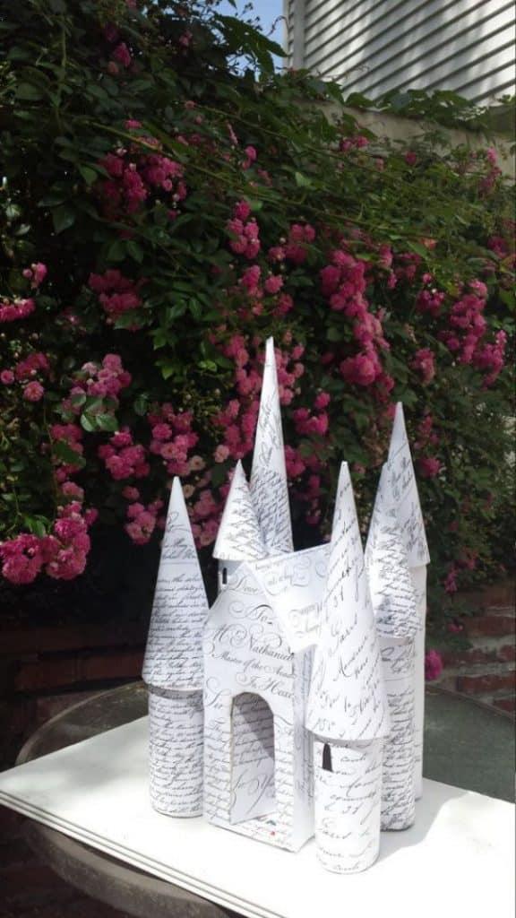 castillos hechos de carton divertidos
