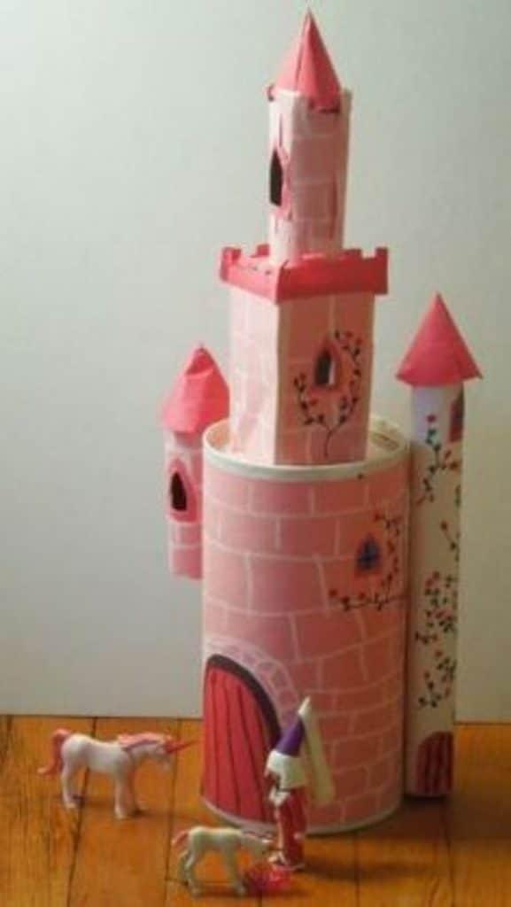 castillos hechos de carton para niñas