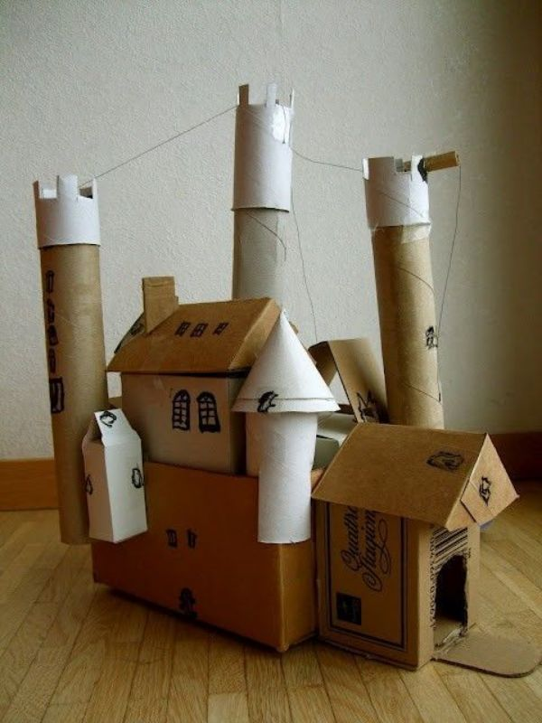 castillos hechos de carton para niños