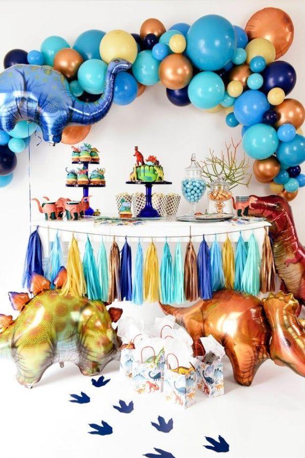 dinosaurios hechos con globos para fiestas