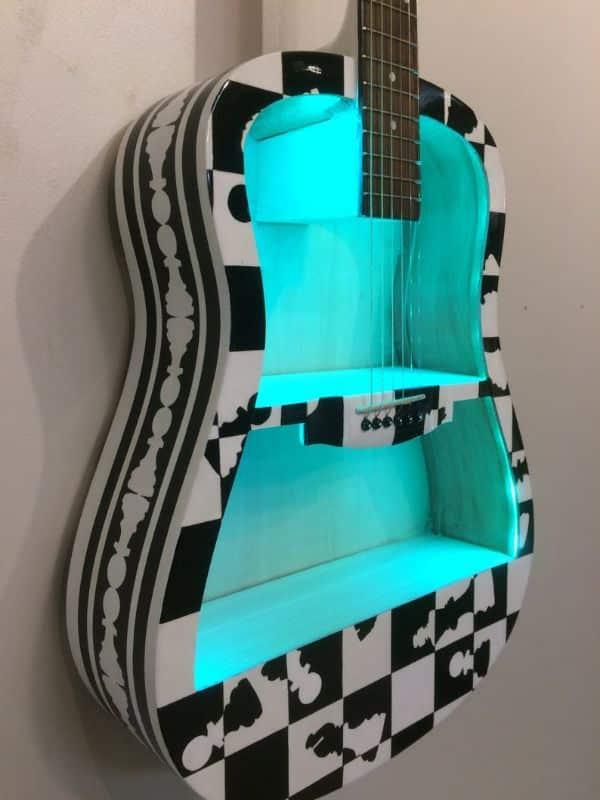 guitarras hechas de carton deco