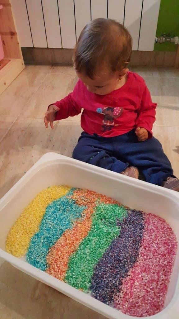 manualidades con arroz de colores paso a paso