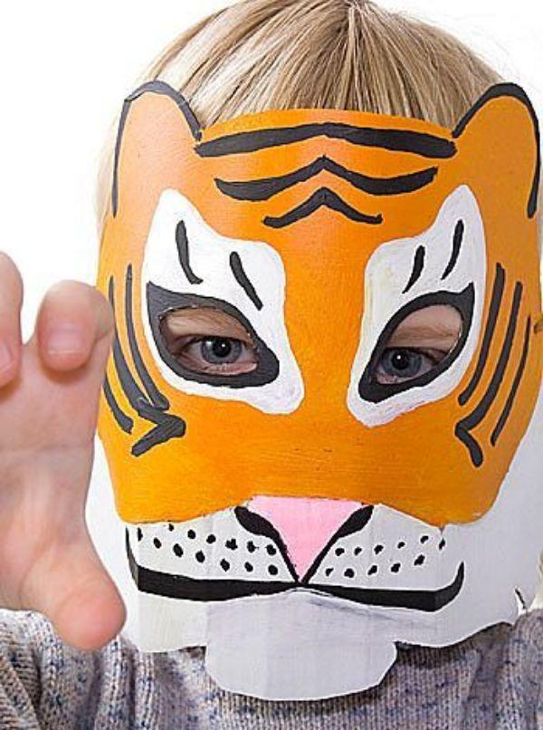 mascaras con platos desechables para niños